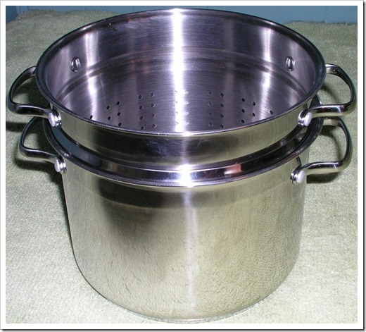 Improvised Steam Juicer from a Pasta Pot