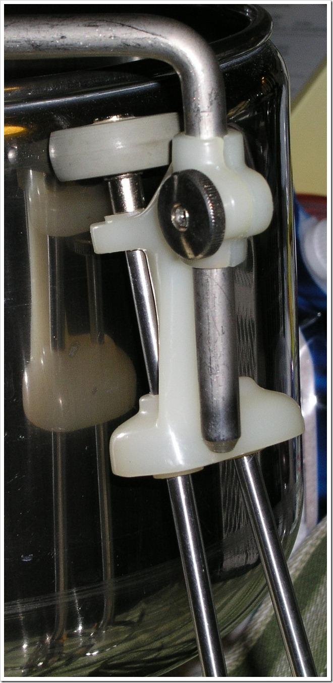 vintage-electrolux-dlx-double-beater-4